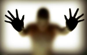 silhouette-hand-glass